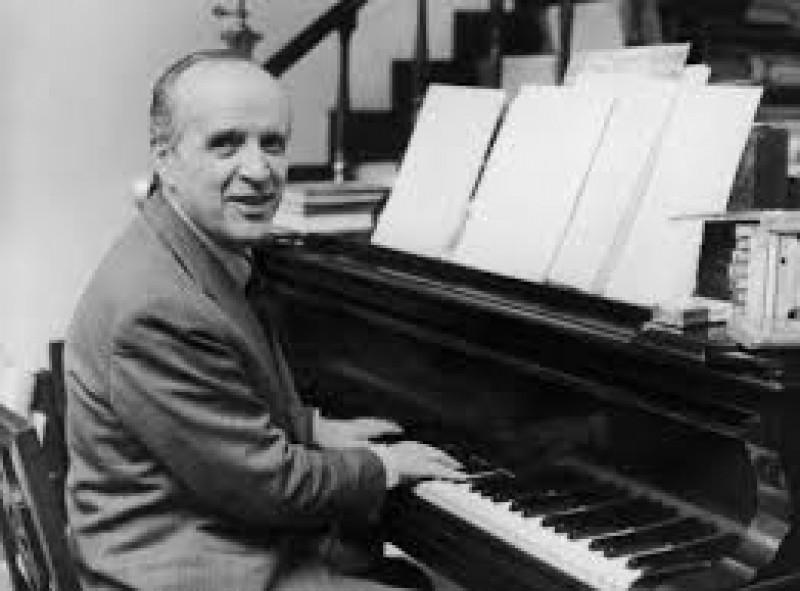 Renzo cresti sito dedicato alla musica contemporanea for Compositore tedesco della musica da tavola